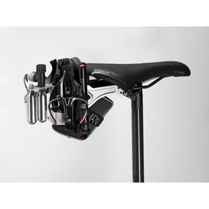 Skekane rear mount system black